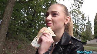 Blonde minx Jenny Wild pleasuring lucky guy in along to woods