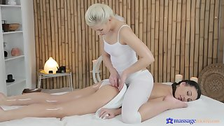 Lorena Trixie is thankful of sexy masseuse's thorough approach
