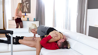 Stepmom having a 3some with a stepdaughter and the brush BF